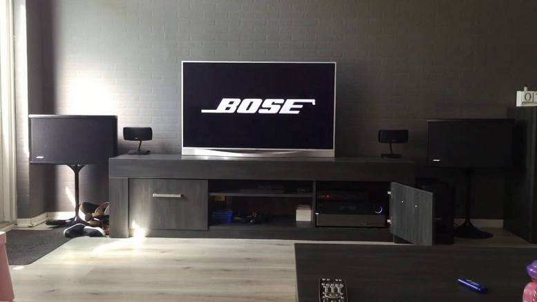 Bose 901 http://bstore.com.ua/products/bose-901-vi-directreflecting